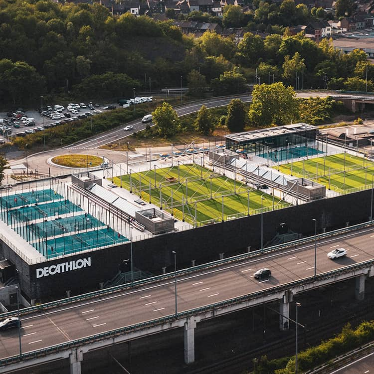 5 football pitches (Under construction)
